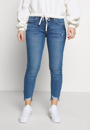 AMELIE RUBY - Jeansy Slim Fit - mid wash