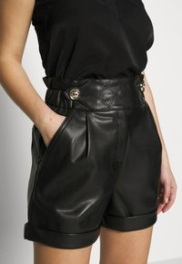 River Island Petite - MOM - Shorts - black - 4