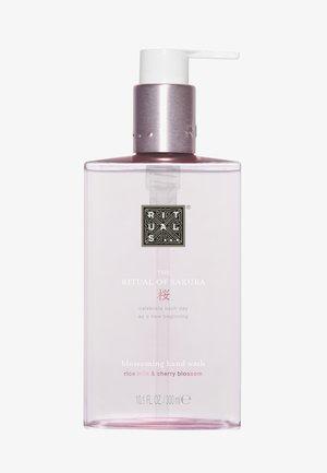 THE RITUAL OF SAKURA HAND WASH 300ML - Liquid soap - -