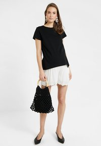 Ripe - EMBROIDERED - Shorts - ivory - 1