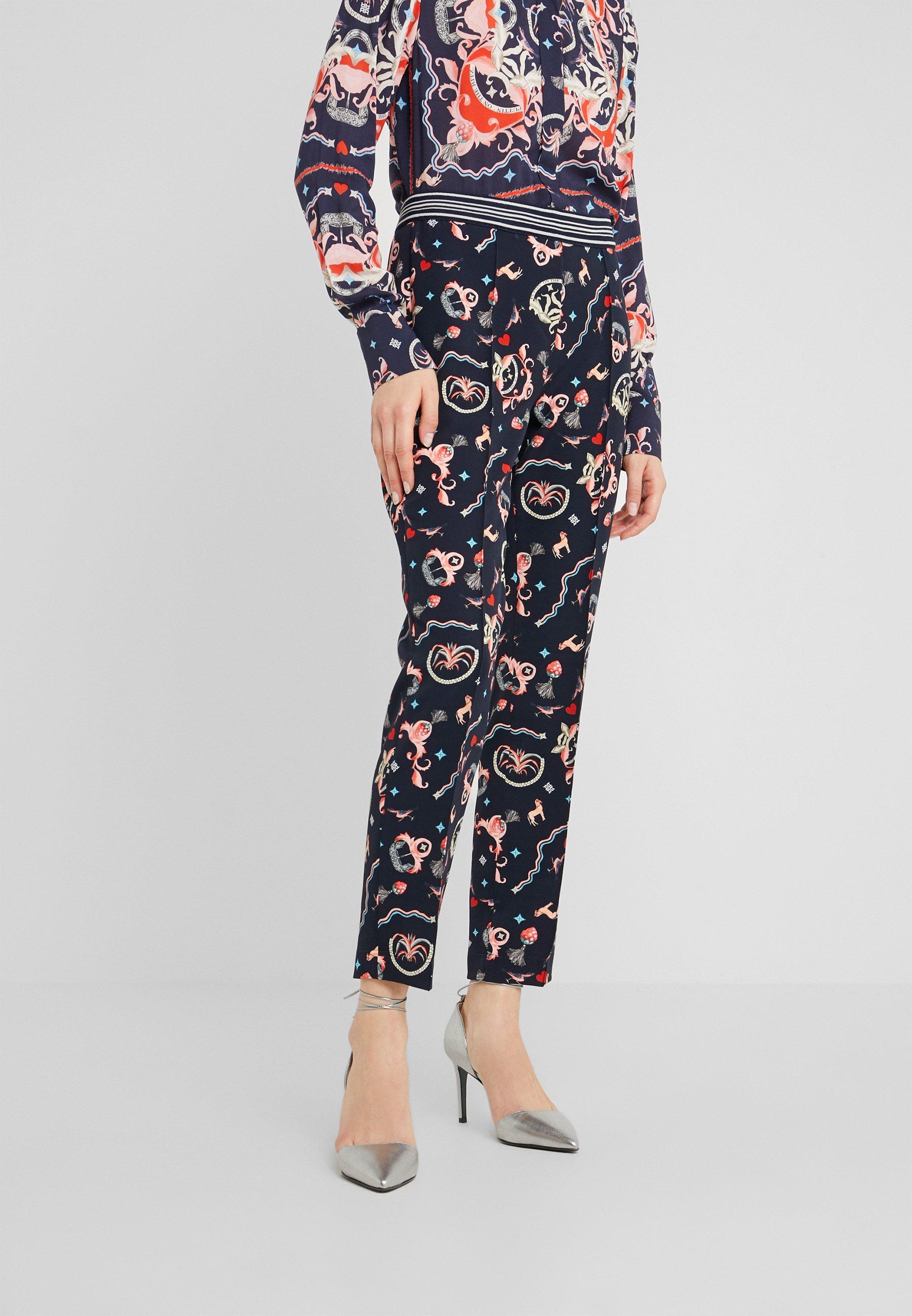 RIANI Spodnie materiałowe - deep blue