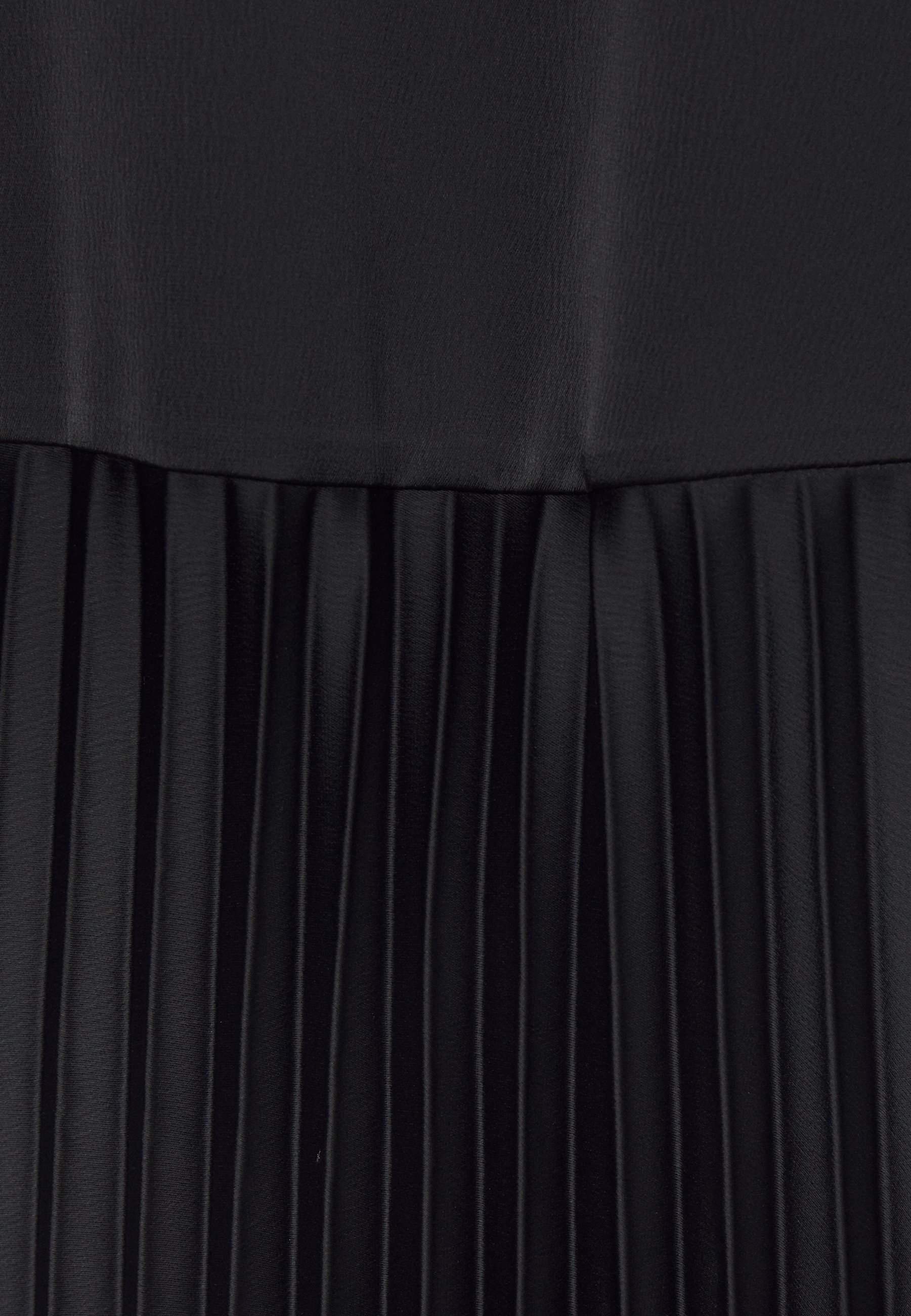RIANI 2-IN-1 - Strickpullover - black | Damenbekleidung 2020