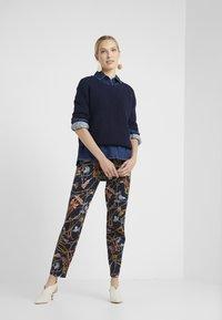 RIANI - Stickad tröja - deep blue - 1