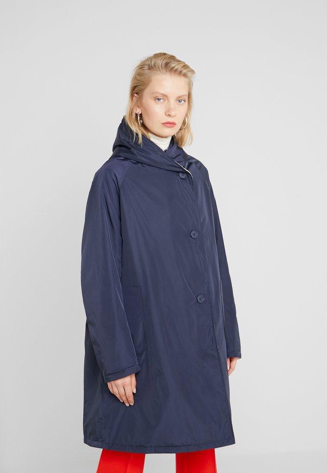 Zimní kabát - dark blue/beige