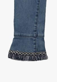 Retour Jeans - VIOLETTA - Slim fit jeans - medium blue denim - 3