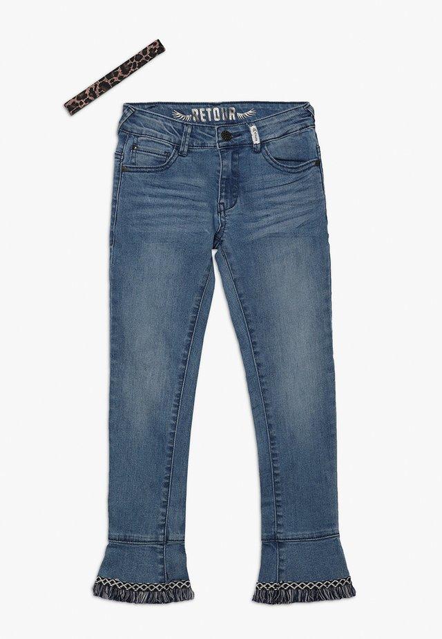 VIOLETTA - Jeans slim fit - medium blue denim