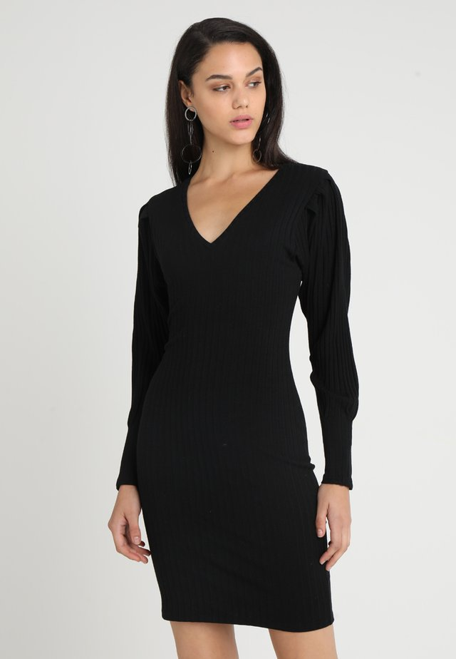 SELMA V NECK DRESS - Strikket kjole - black