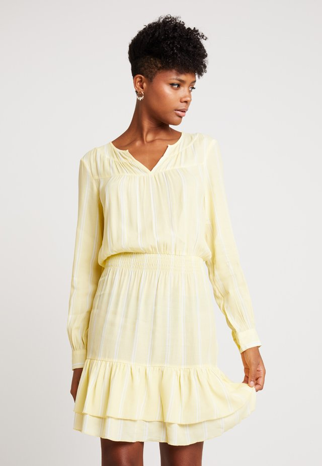 TULA STRIPE DRESS - Korte jurk - pastel yellow