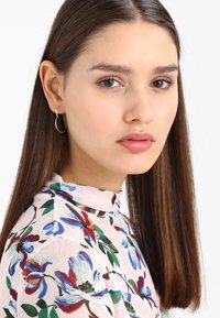 Orelia - HEART HOOP EARRINGS - Korvakorut - silver-coloured - 1