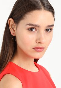 Orelia - HEART HOOP EARRINGS - Ohrringe - gold-coloured - 1