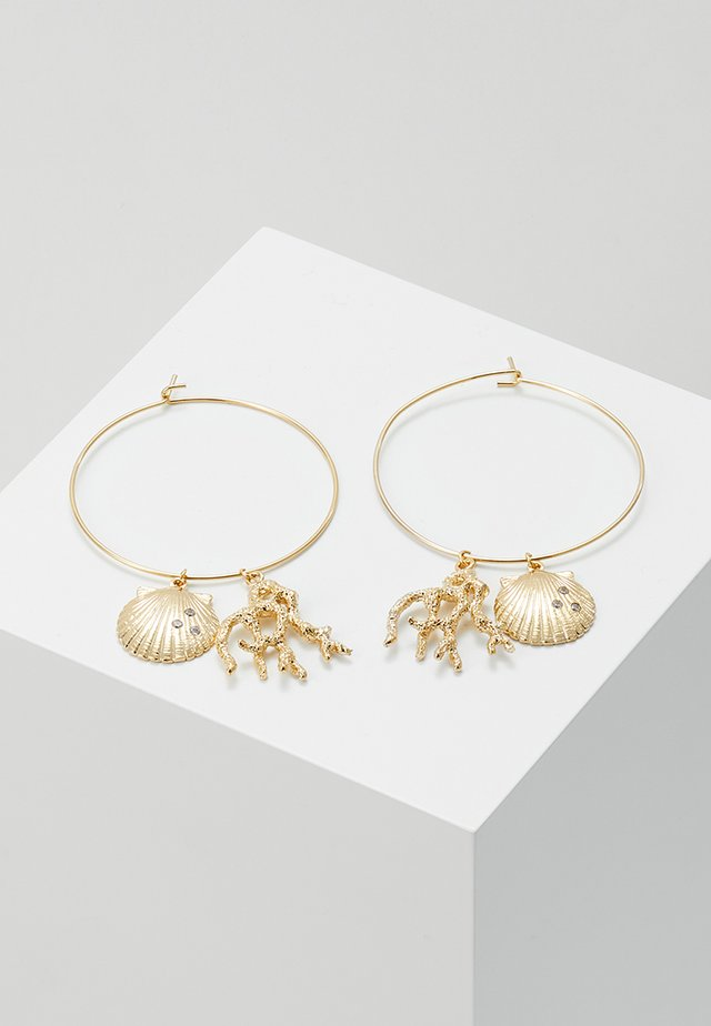 CORAL AND SHELL CLUSTER HOOPS - Korvakorut - pale gold-coloured