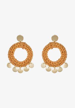 HOOP COIN STATEMENT EARRINGS - Earrings - pale gold-coloured
