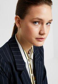 Orelia - MINI PAVE HOOP EARRINGS - Örhänge - silver-coloured - 1