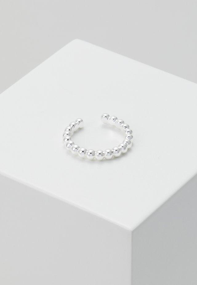 BEADED METAL SINGLE EAR CUFF - Earrings - silver-coloured
