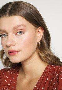 Orelia - CHUNKY OVAL HOOP - Earrings - pale gold-coloured - 1