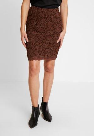 Pouzdrová sukně - chestnut