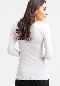 Rosemunde - Chaqueta de punto - new white - 2