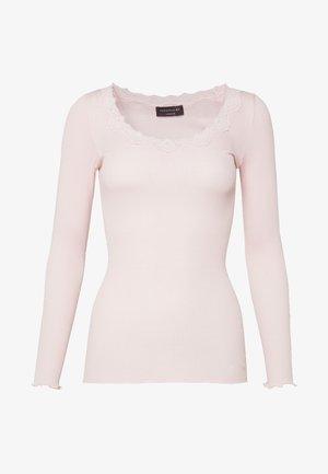 SILK-MIX T-SHIRT REGULAR LS W/REV VINTAGE LACE - Långärmad tröja - soft rose