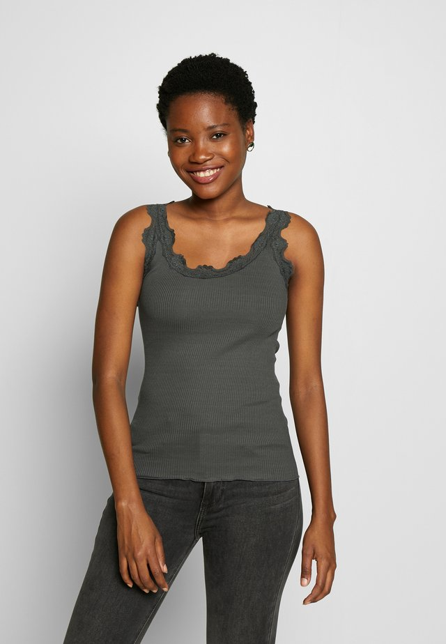SILK-MIX TOP REGULAR W/VINTAG LACE - Top - urban chic