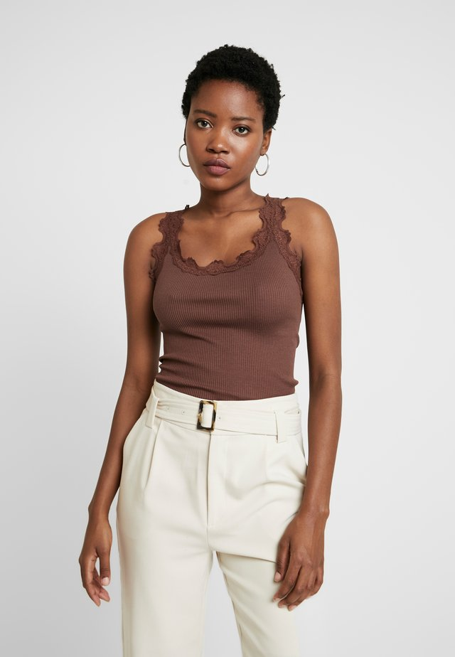 SILK-MIX TOP REGULAR W/VINTAG LACE - Toppe - chestnut red