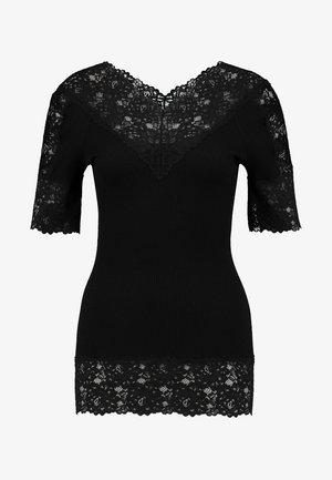 BELTON - T-shirt med print - black