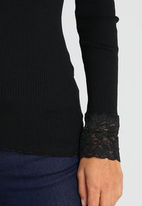 Rosemunde - SILK-MIX T-SHIRT WITH LACE - Top sdlouhým rukávem - black - 5