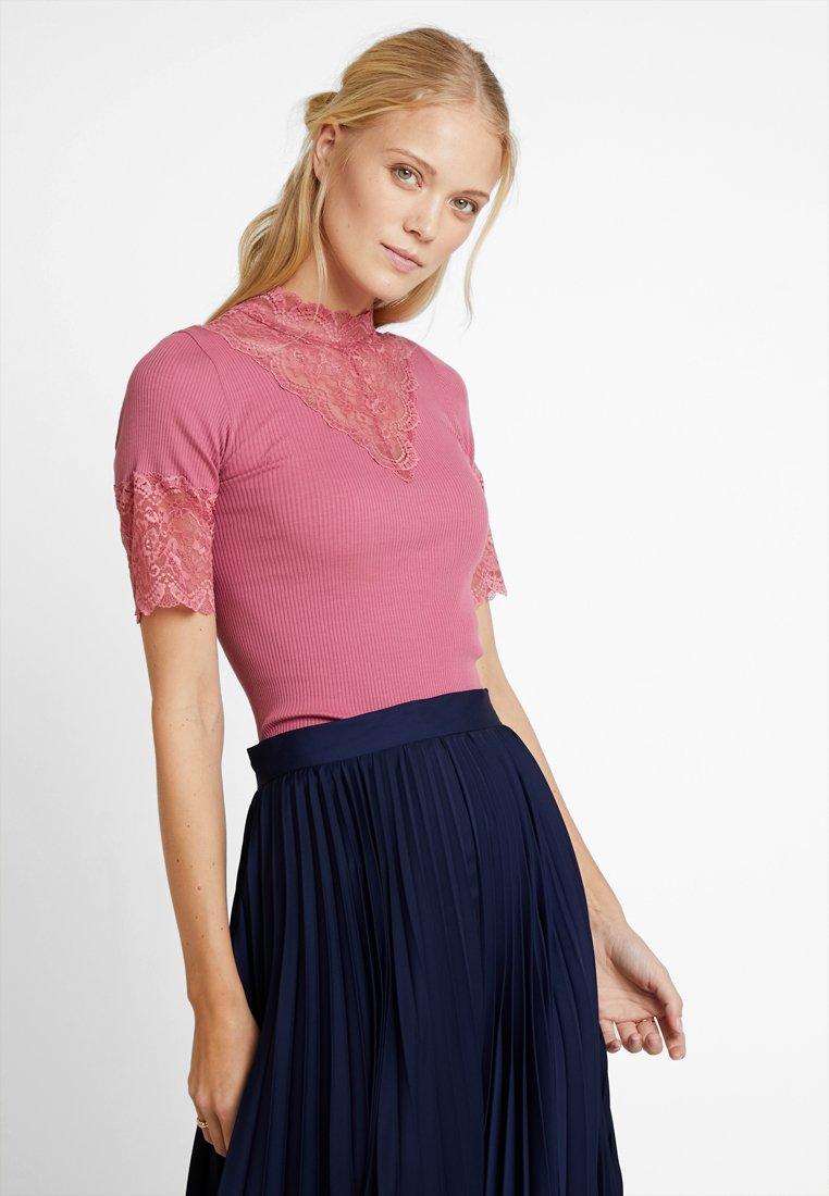 Rosemunde - Print T-shirt - rose
