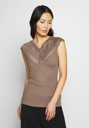 SILK-MIX TOP REGULAR W/WIDE LACE - Débardeur - acorn