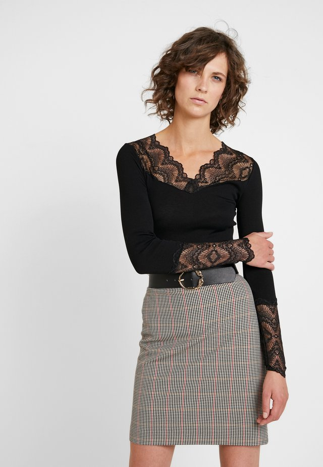 SILK-MIX T-SHIRT REGULAR LS W/LACE - Langarmshirt - black