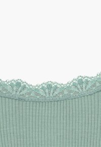 Rosemunde - SILK-MIX T-SHIRT REGULAR LS W/LACE - Long sleeved top - green lake - 3