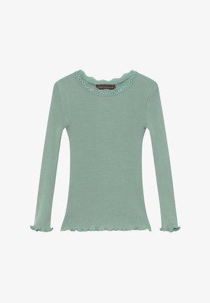 SILK-MIX T-SHIRT REGULAR LS W/LACE - Langærmede T-shirts - green lake