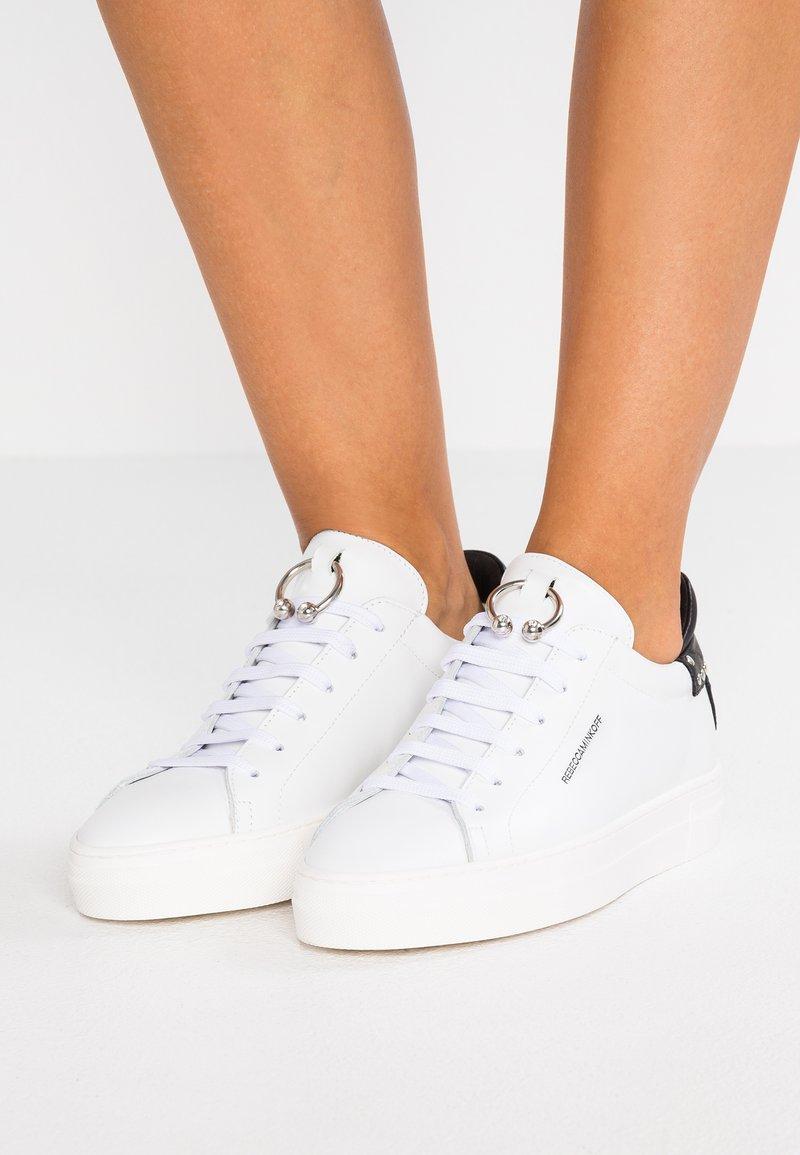 Rebecca Minkoff - PALOMA - Sneakers basse - white/black