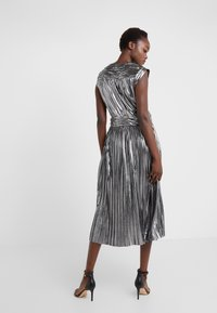 Rebecca Minkoff - BRIELLA DRESS - Vestido de cóctel - silver - 2
