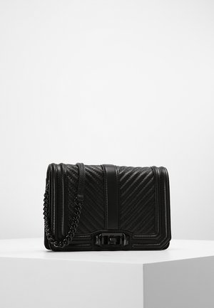 CHEVRON QUILTED LOVE CRO - Skuldertasker - black
