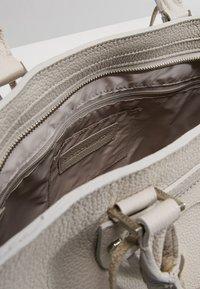 Rebecca Minkoff - REGAN SATCHEL TOTE - Handbag - putty - 4