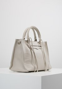Rebecca Minkoff - REGAN SATCHEL TOTE - Handbag - putty - 3