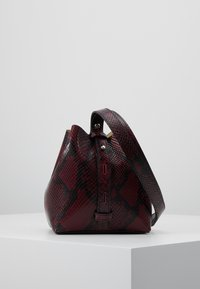 Rebecca Minkoff - MINI KATE BUCKET PYTHON - Handbag - pinot noir - 2