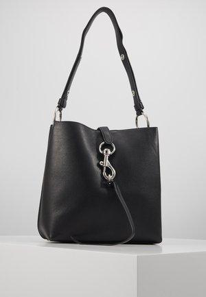 MEGAN SHOULDER BAG - Håndveske - black