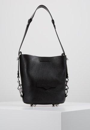 UTILITY  BUCKET - Håndtasker - black