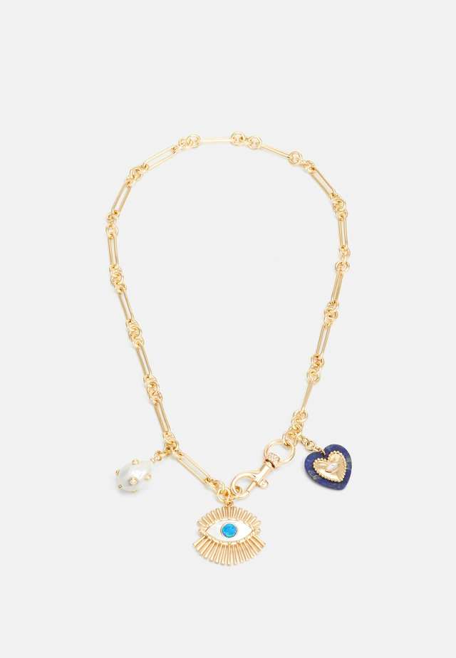 EVIL EYE CHARM NECKLACE WITH SIGNATURE DOG-CLIP CLOSURE - Necklace - gold-coloured