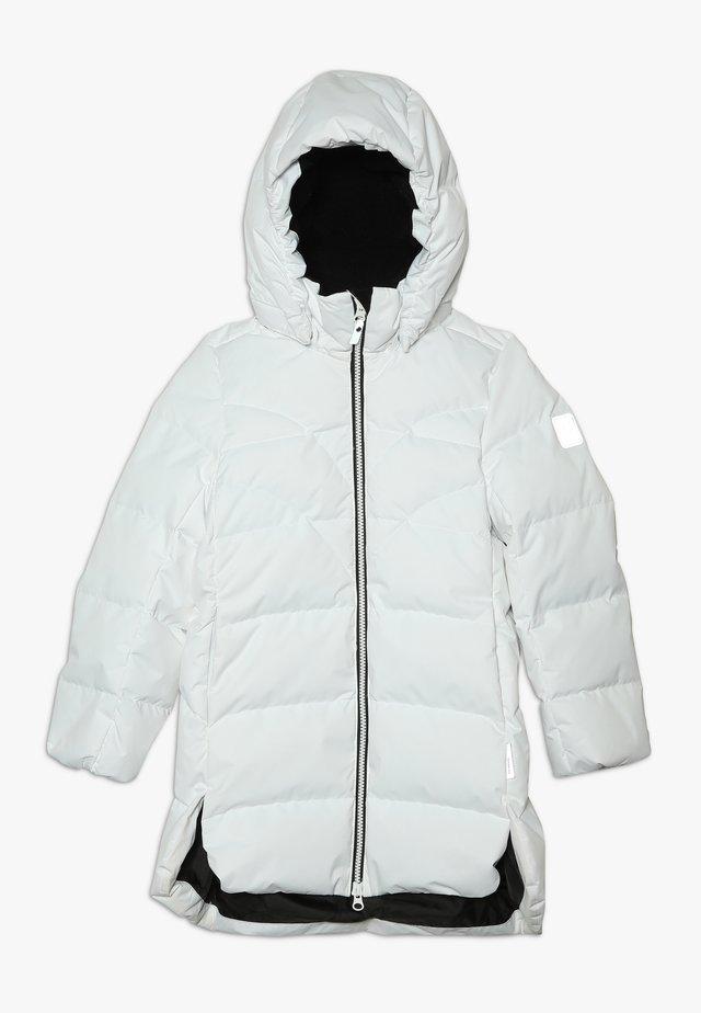 AHDE - Kabát zprachového peří - white