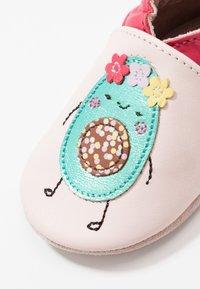 Robeez - GUACAMOLE - Chaussons pour bébé - rose clair fuchsia - 5