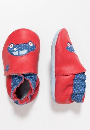 AUTO - Chaussons pour bébé - rouge
