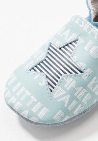 Robeez - PLAYSCHOOL - First shoes - bleu clair/blanc - 5