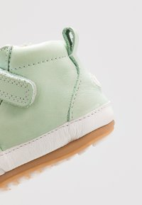 Robeez - MIGOLO - Chaussons pour bébé - vert clair - 5
