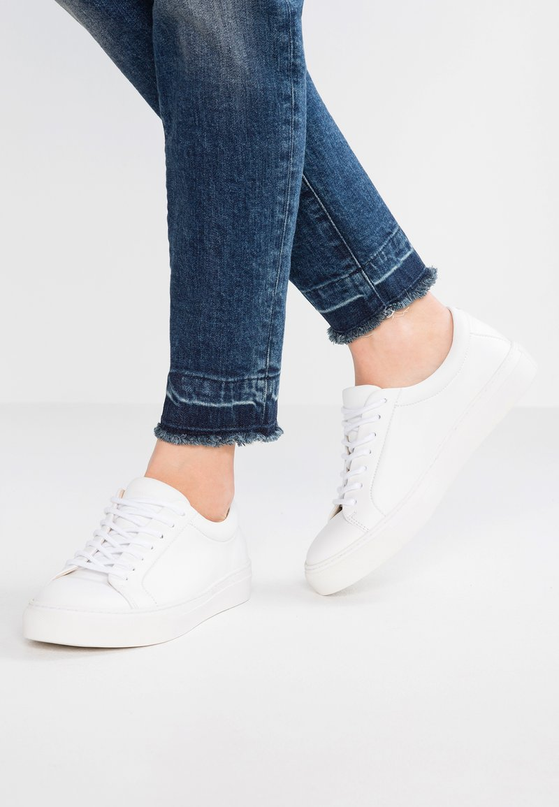 Royal RepubliQ - ELPIQUE DERBY SHOE - Sneaker low - white