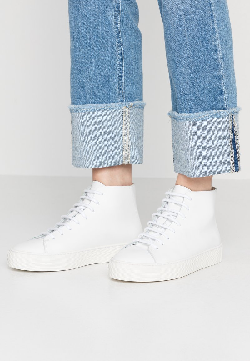 Royal RepubliQ - DORIC TOP - Sneaker high - white