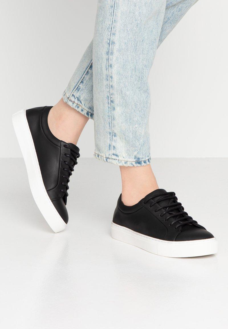 Royal RepubliQ - ELPIQUE DERBY SHOE - Sneaker low - black
