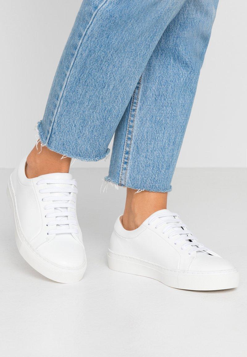 Royal RepubliQ - ELPIQUE DERBY SHOE - Sneakers - white