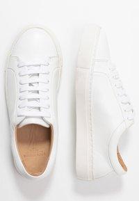 Royal RepubliQ - ELPIQUE DERBY SHOE - Sneakers - white - 3